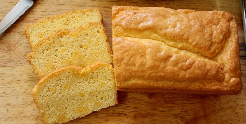 """Keto Connect's coconut loaf and """"Amazing Bread"""""""