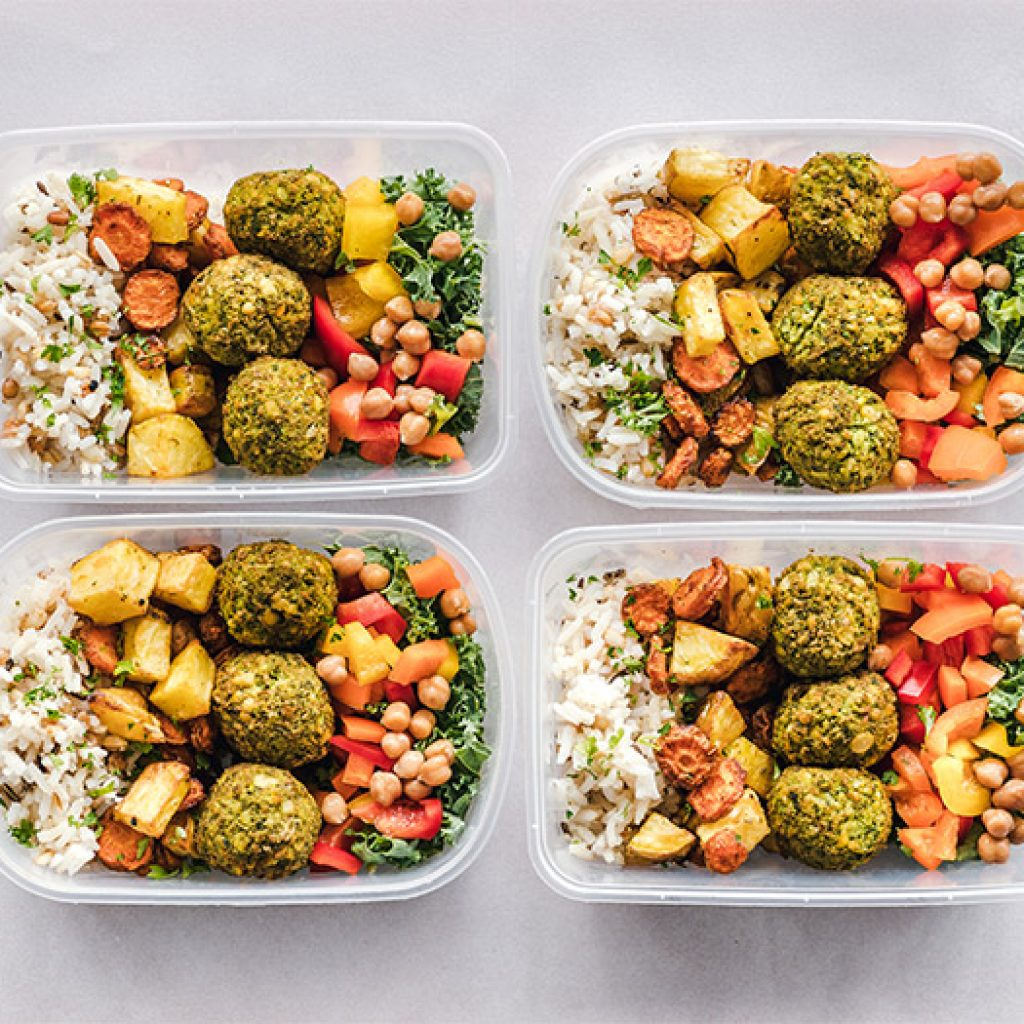 4 containers of healthy diet foods