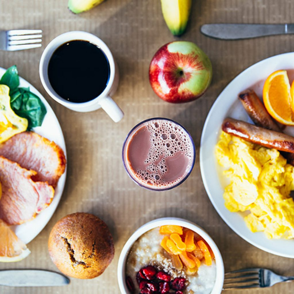 Image of breakfast foods making up a healthy diet.